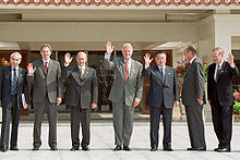 220px-vladimir_putin_at_g8_summit_2000-4